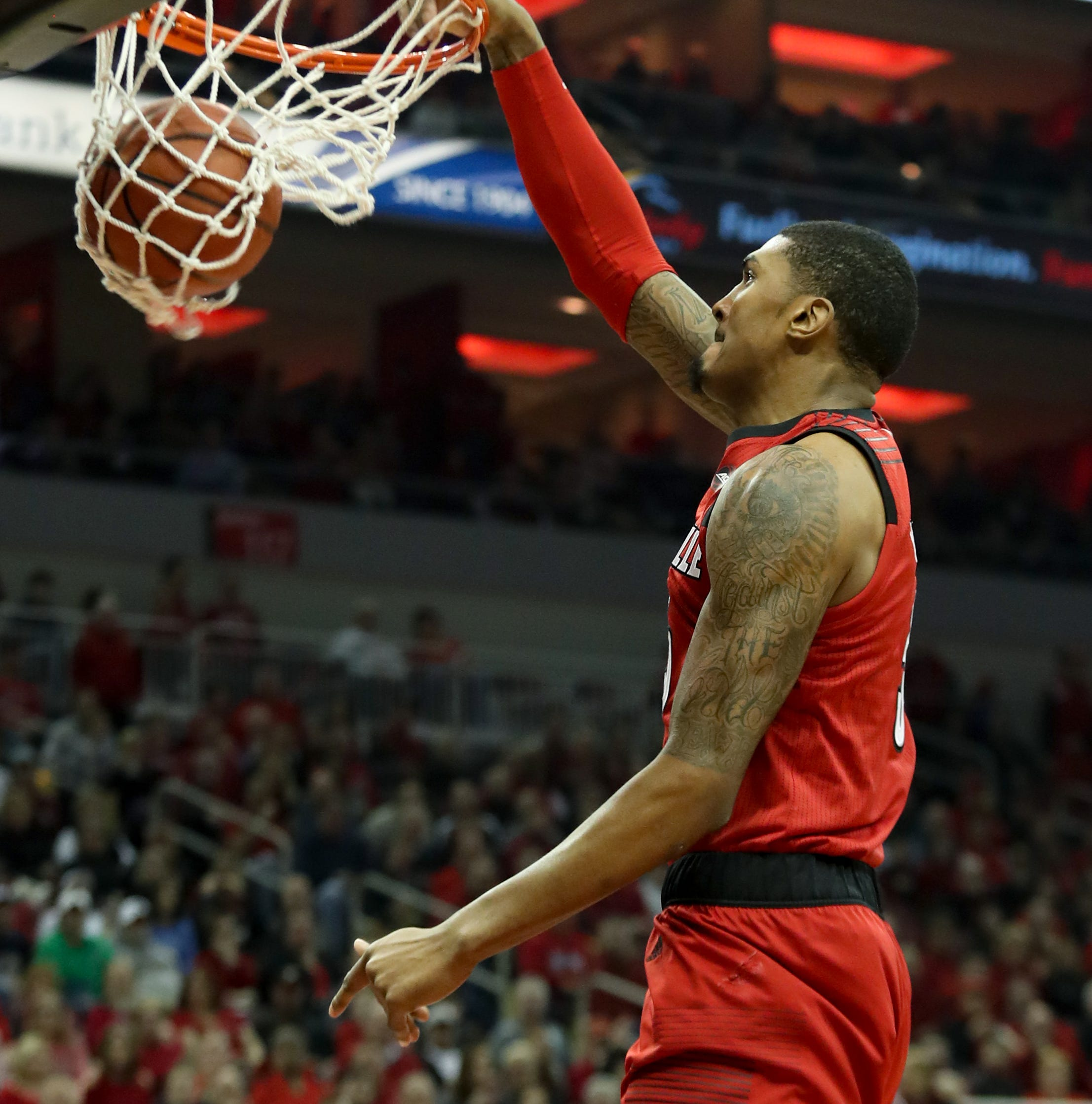 Louisville rolls over Notre Dame in home finale to end losing streak