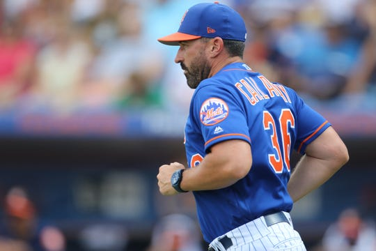 Mickey Callaway jogs to the mound to remove Noah Syndergaard from the game. Saturday, March 2, 2019