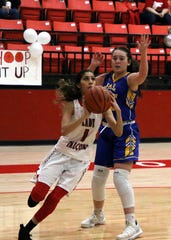 Yara Franco goes for a layup against Jal. She finished with 18 points to lead Loving.