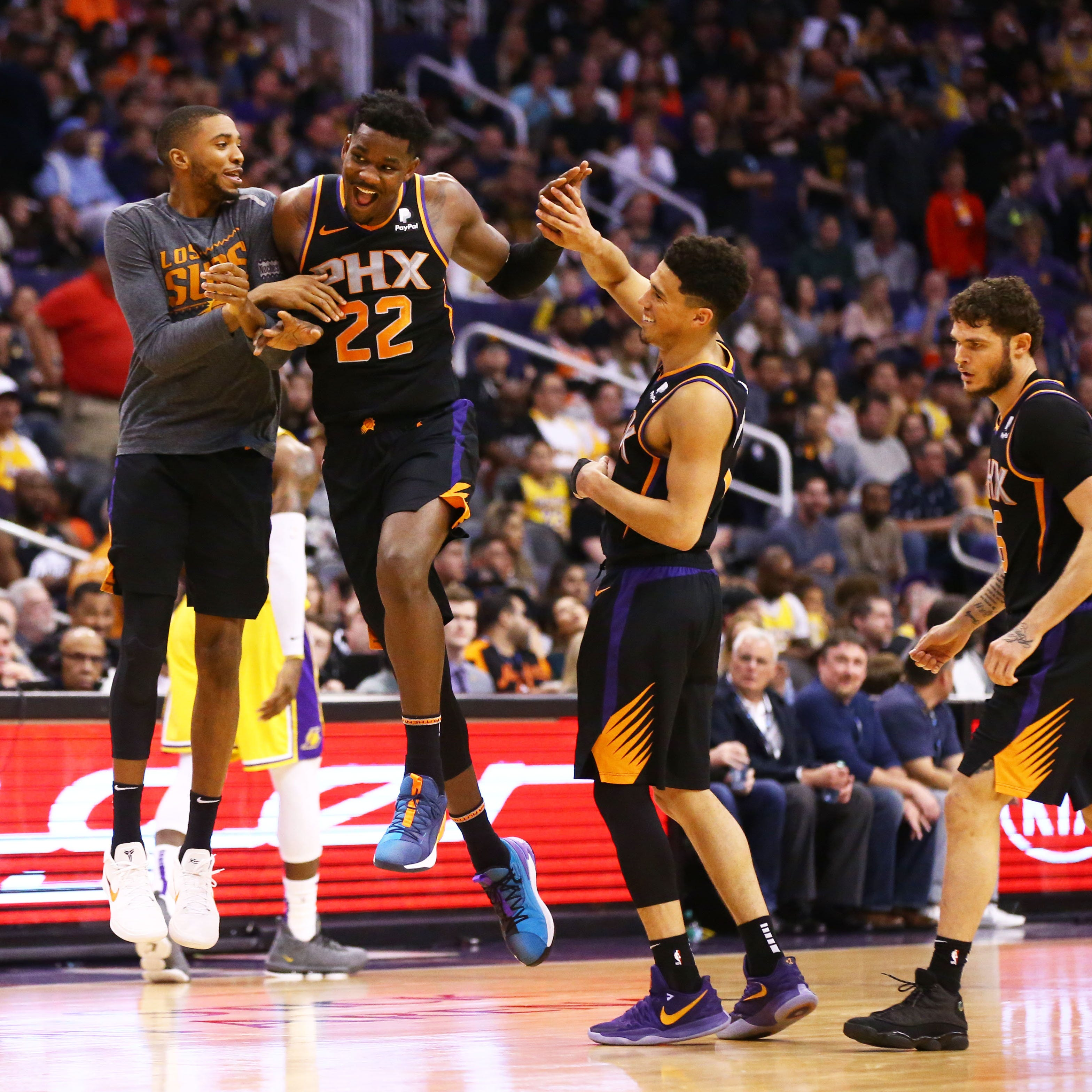 Deandre Ayton delivers in Suns win over LeBron, Lakers