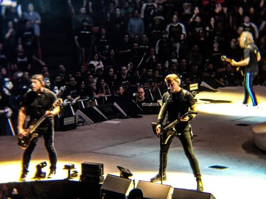 Sold-out Metallica concert unites El Paso's heavy metal fans