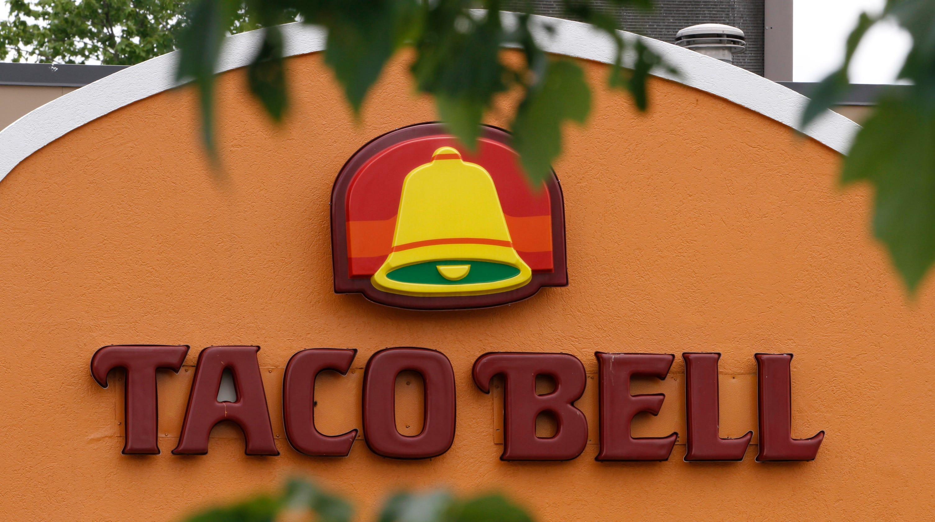 Taco Bell removing Mexican Pizza and shredded chicken from menu adding new Chicken Chipotle Melt – USA TODAY