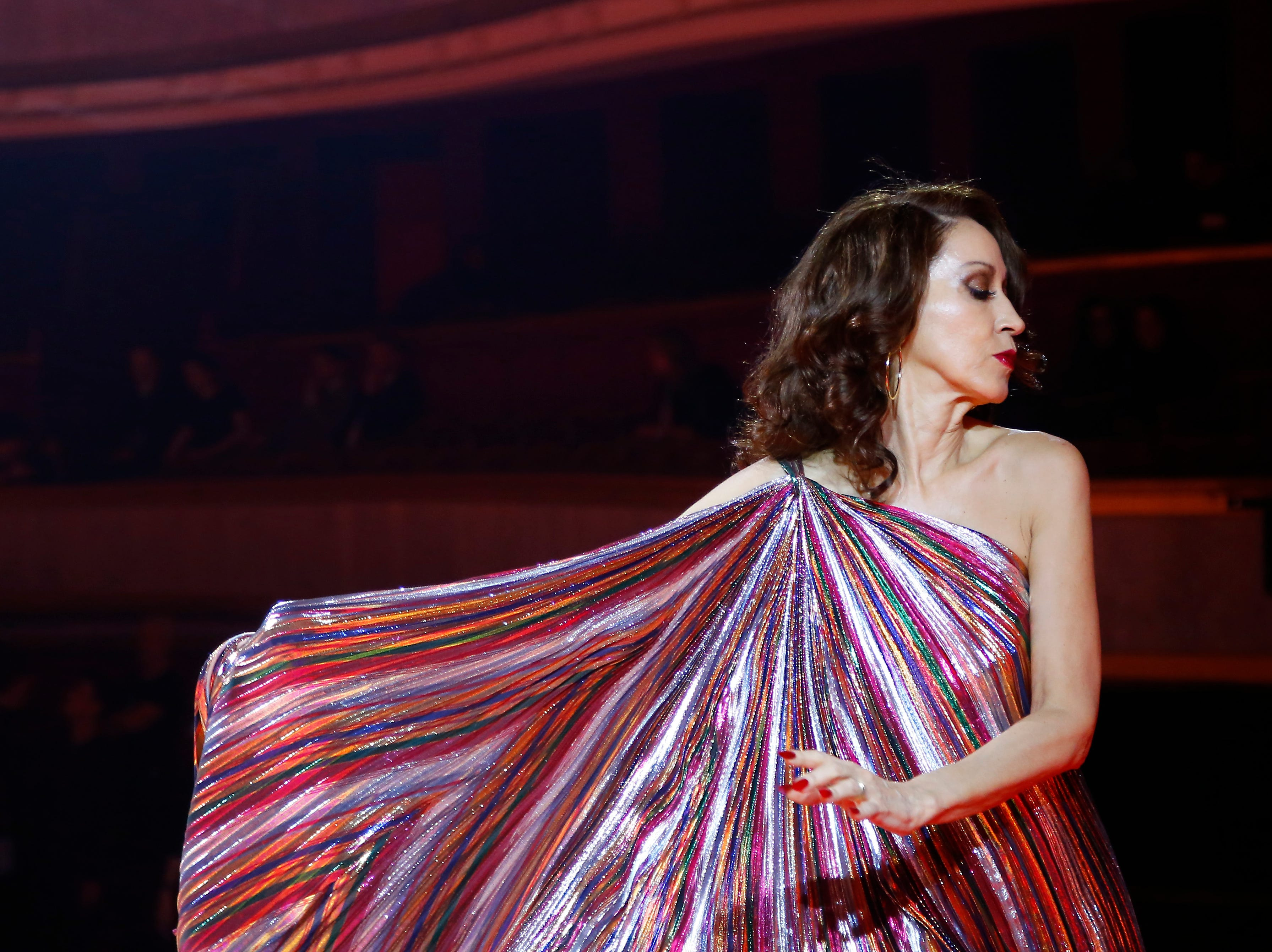 Grace Jones Stuns At Zendaya Tommy Hilfiger S Paris Fashion Week Show