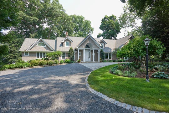 Rumson home at 942 Navesink River Road exhibits awe-inspiring view
