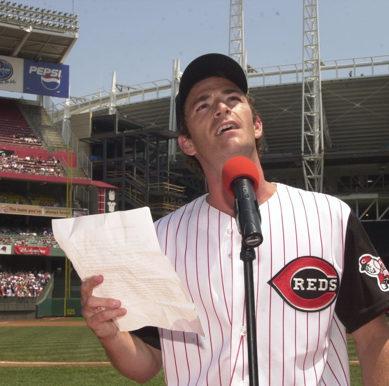 Luke Perry remembered Cincinnati Reds owner Marge Schott in 2014 - 10 years after she died