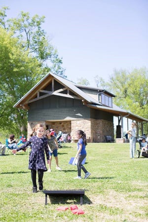 The City of Clarksville provides 23 parks that offer a variety of amenities including playgrounds, a skate park, picnic areas, walking trails, and pavilions. Others include restrooms, dog parks, open play areas, outdoor fitness equipment, basketball and tennis courts, and sports fields.