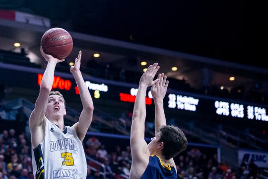 Boyden-Hull's Tanner Te Slaa shoots the ball during the IHSAA state basketball Class 2A quarterfinal between Boyden-Hull and Iowa City Regina on Monday, March 4, 2019, in Wells Fargo Arena.