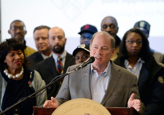 Mayor Mike Duggan talks about plans to build a new 120,000-square-foot carpenters and millwrights training center in Detroit.