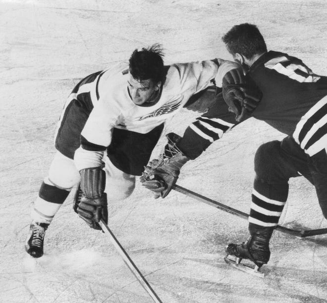 The final tally for Ted Lindsay's career: 379 goals, 851 points, 1,808 penalty minutes, about 300 stitches.