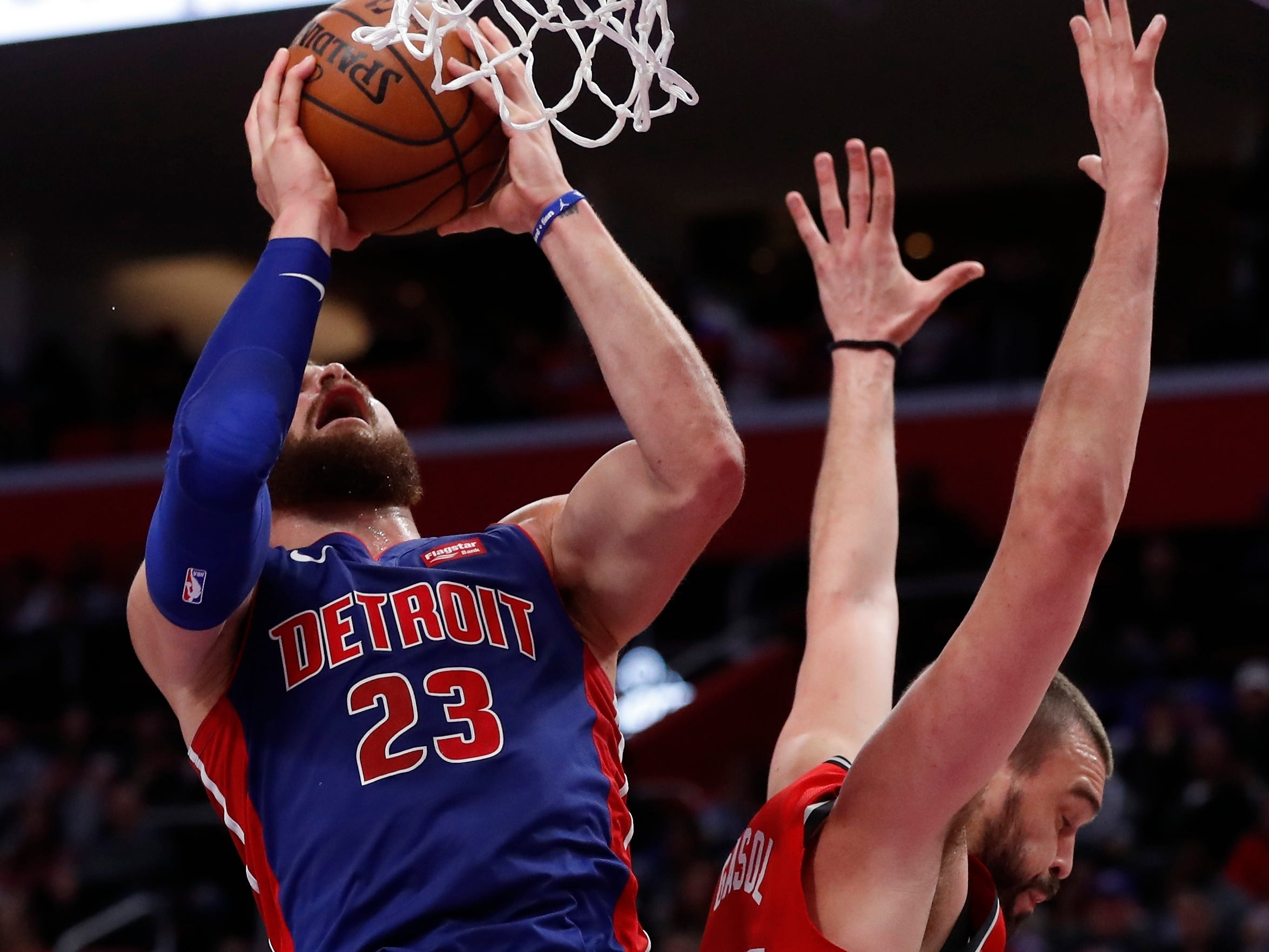 Detroit Pistons forward Blake Griffin (23) shoots as Toronto Raptors center Marc Gasol (33) defends during the first half.