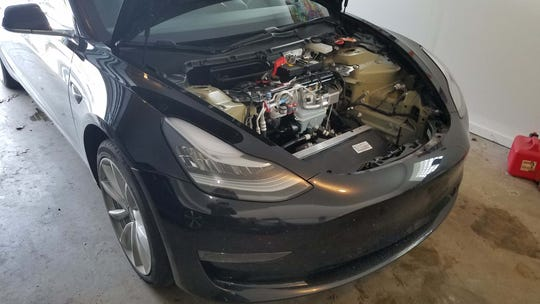Henry Payne was visited by a Tesla Mobile Unit to fix a sensor and LTE WiFi card in his Model 3. Mobile Units make house calls so Michigan customers don't have to take their cars to the nearest service center in Cleveland. Tesla service centers are banned in Michigan by law.