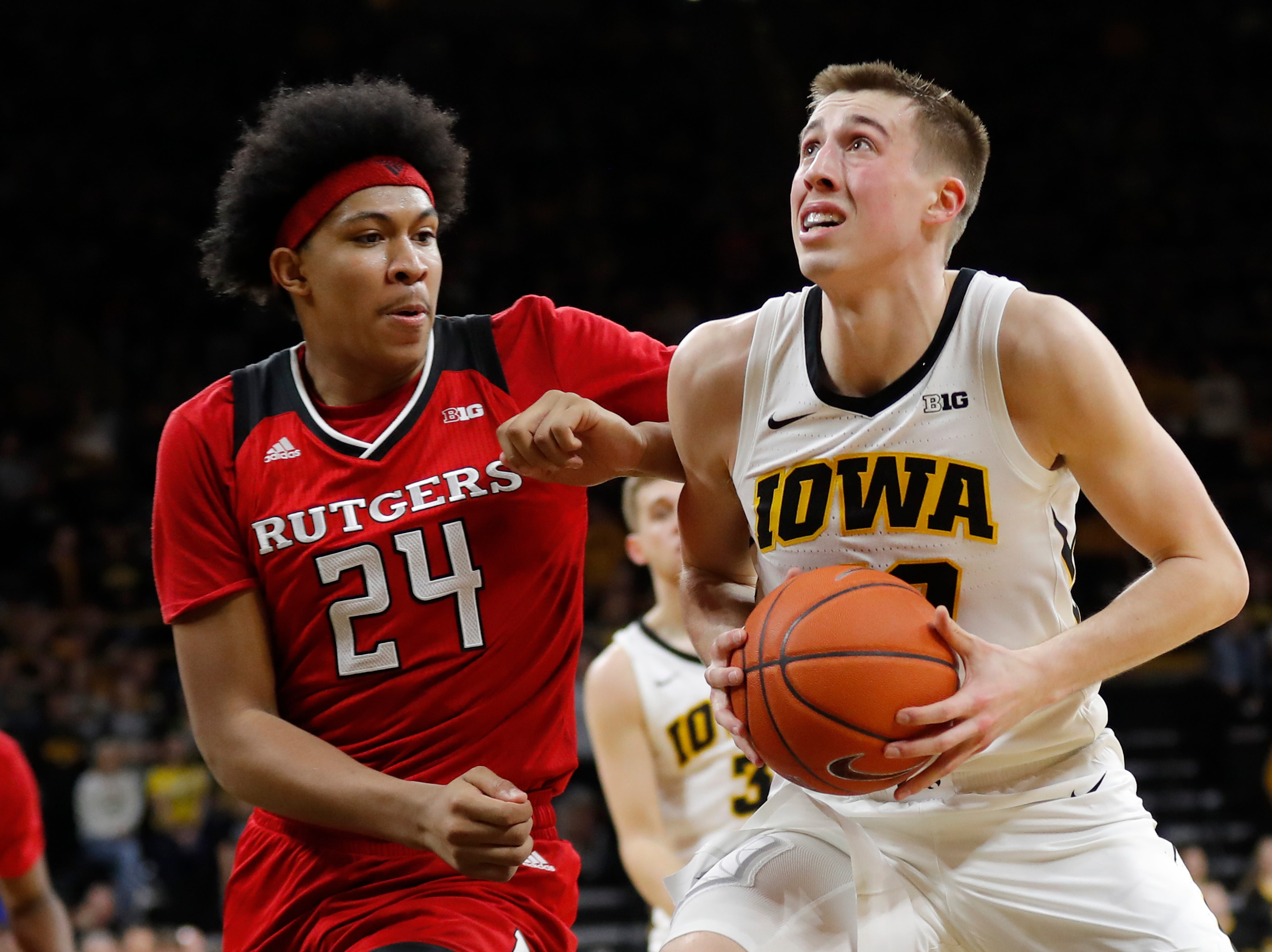 7. Iowa (21-8, 10-8) – It's been a tumultuous week for the Hawkeyes with two straight losses, the first that included a rant from coach Fran McCaffery that garnered a two-game suspension and the second a one-sided defeat at home at the hands of Rutgers. Two road games await in the final week – at Wisconsin and Nebraska – as the Hawkeyes try to right the ship before heading to the Big Ten tournament. Last week: 6.