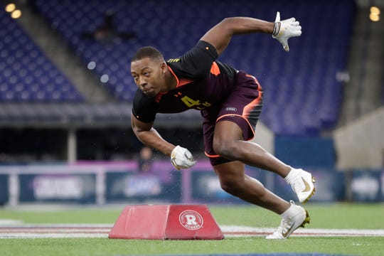 South Carolina linebacker Bryson Allen-Williams runs a drill at the NFL football scouting combine in Indianapolis on Sunday