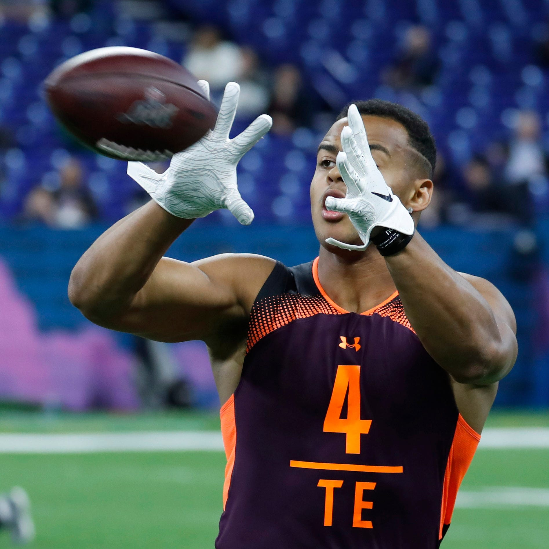 NFL mock draft 2019: Former Iowa TE Noah Fant moves up in latest projection