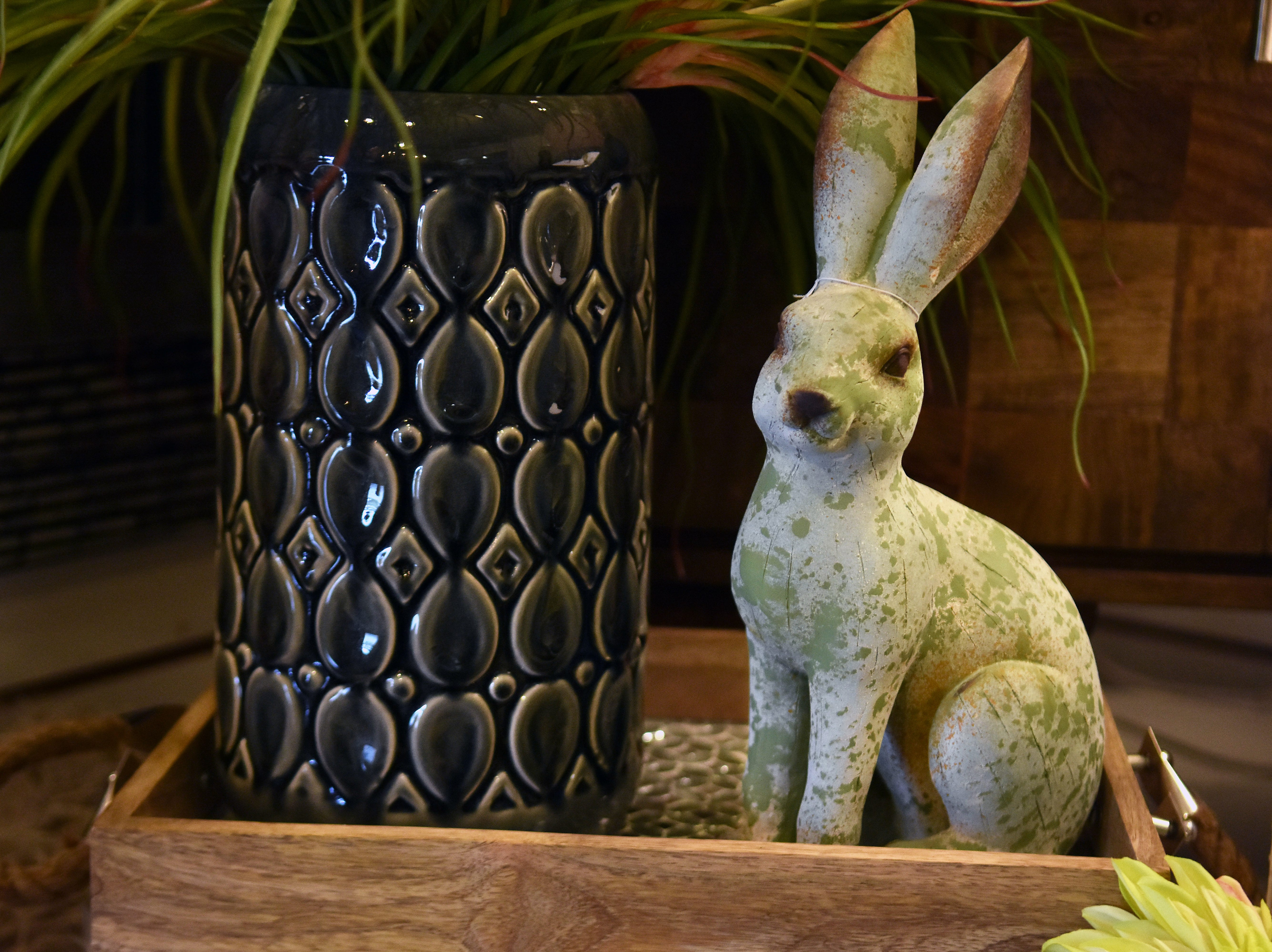 Real Deals carries many different bunny rabbit decor pieces that will add a warm touch to any home.