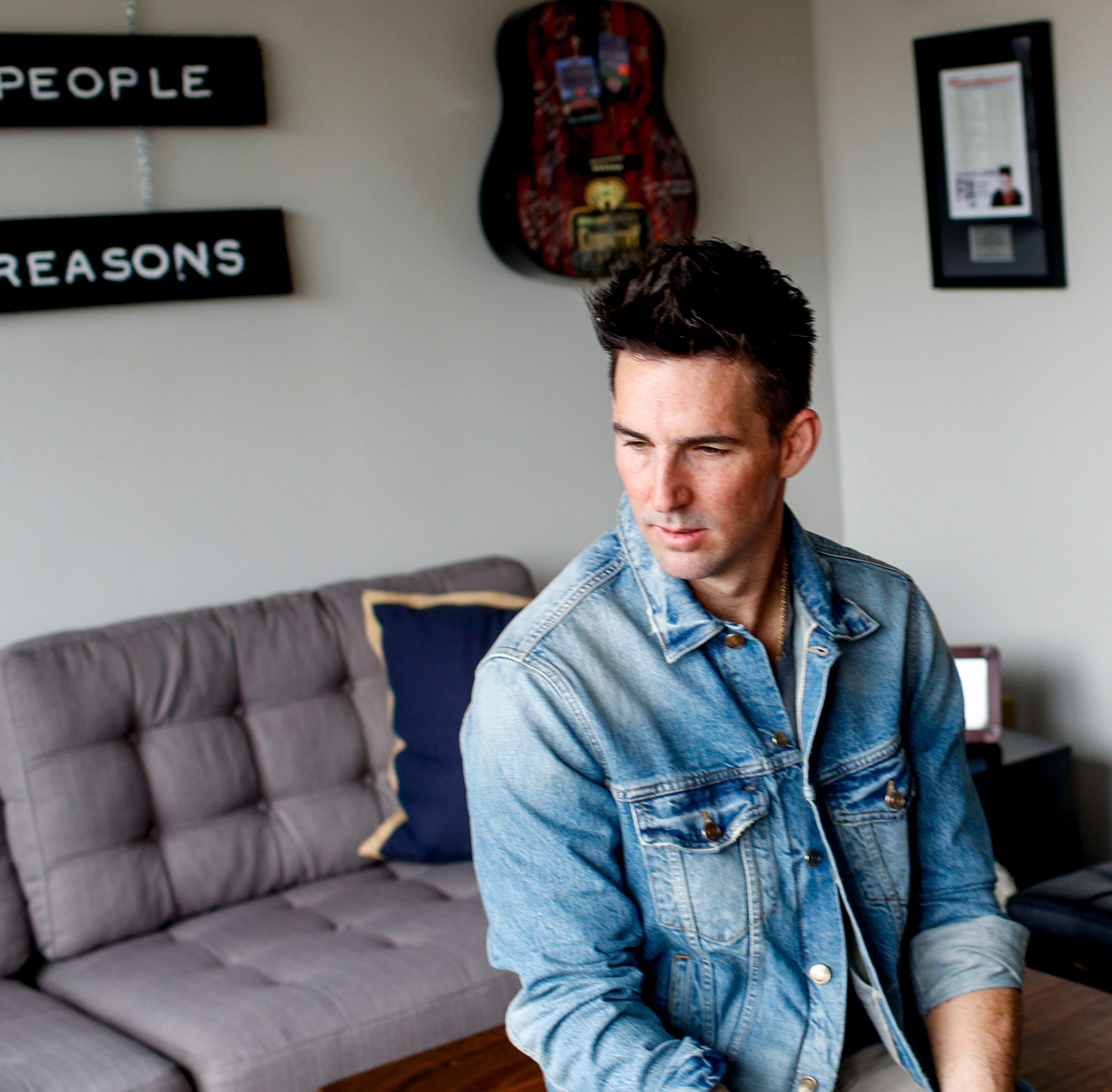 Jake Owen: Beach life, traditional country collide on grown-up 'Greetings ... from Jake'
