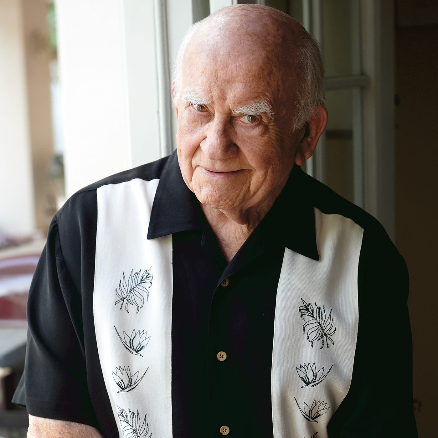 Ed Asner in Naples: Out of the newsroom, under the CAT scan