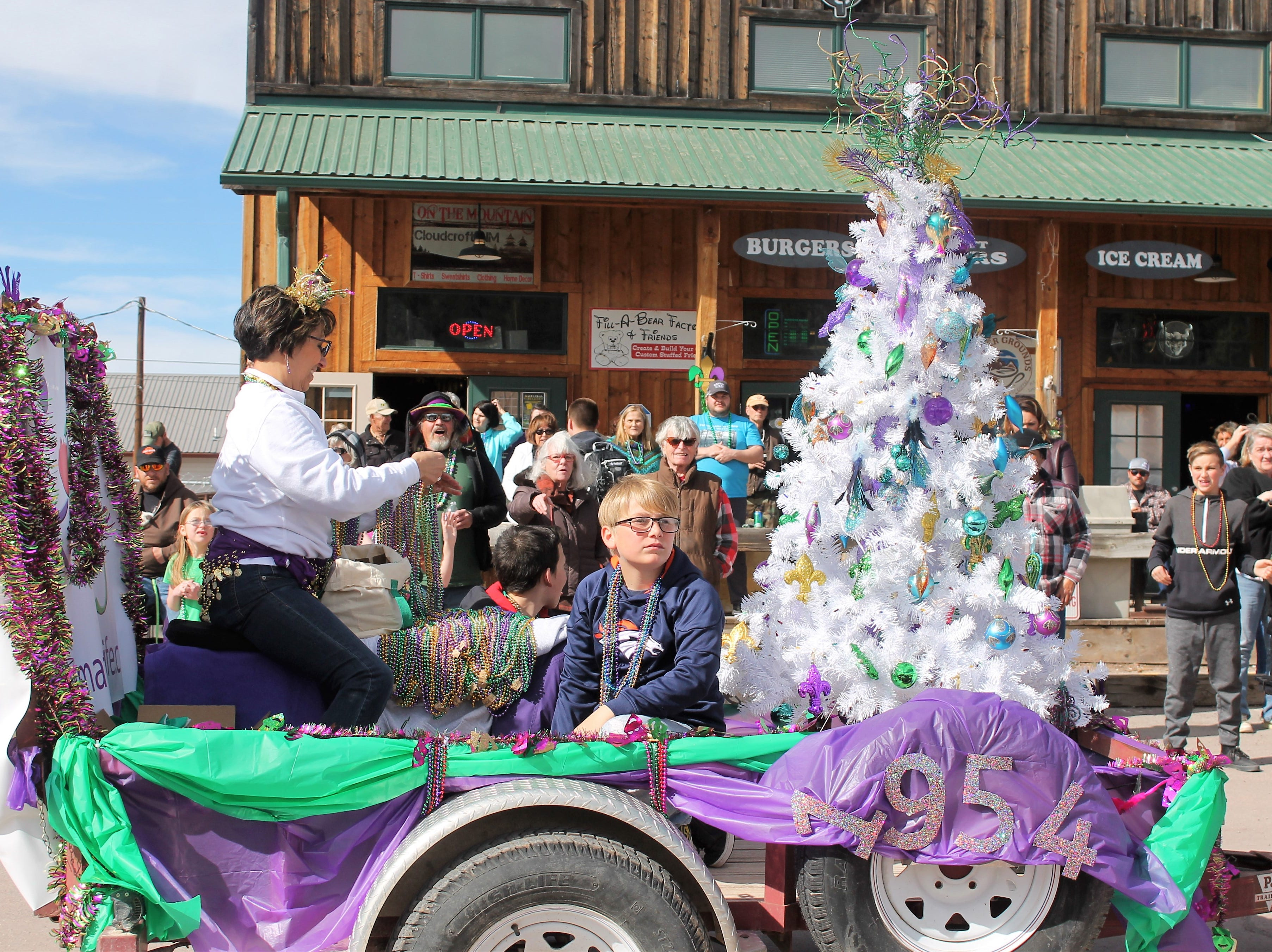 The Ultimate Gift of Life's float at the Mardi Gras Parade in Cloudcroft Saturday featured the year 1954 as that was the year that the first organ donation occurred.