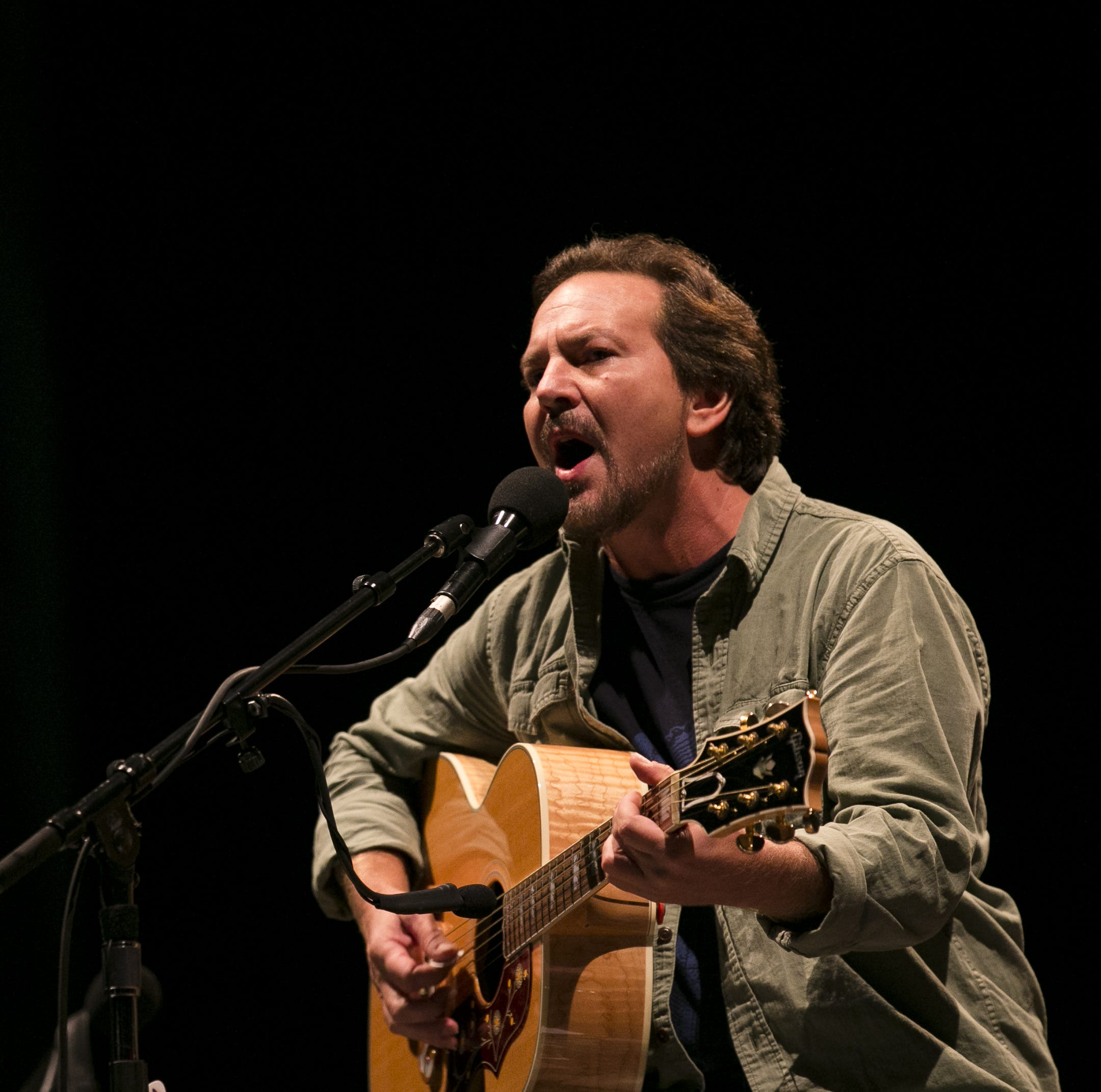 Eddie Vedder brings 'A Star is Born' to Innings Festival in Tempe