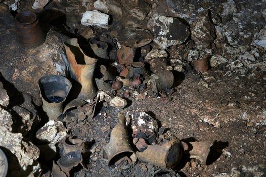 Las vasijas parecen remontarse a alrededor del año 1.000 d.C., informó el Instituto Nacional de Antropología e Historia.