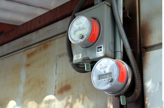 Luego de recibir denuncias sobre el aumento en tarifas de energía eléctrica en la entidad, AMLO prometió que no subirá más la luz en Sonora.