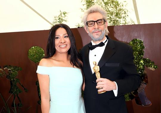 Claudio Herrera (der.) dará vida a Alfonso Cuarón, mientras que Yeka Rosales (izq.) será Yalitza. Ambos coincidieron que el enfoque cómico no es hacia su persona, sino hacia el filme.