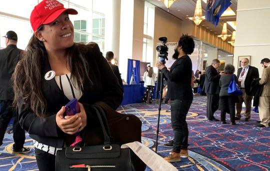 """Paloma Zuñiga atrae a 70.000 personas con su página """"Paloma for Trump""""."""