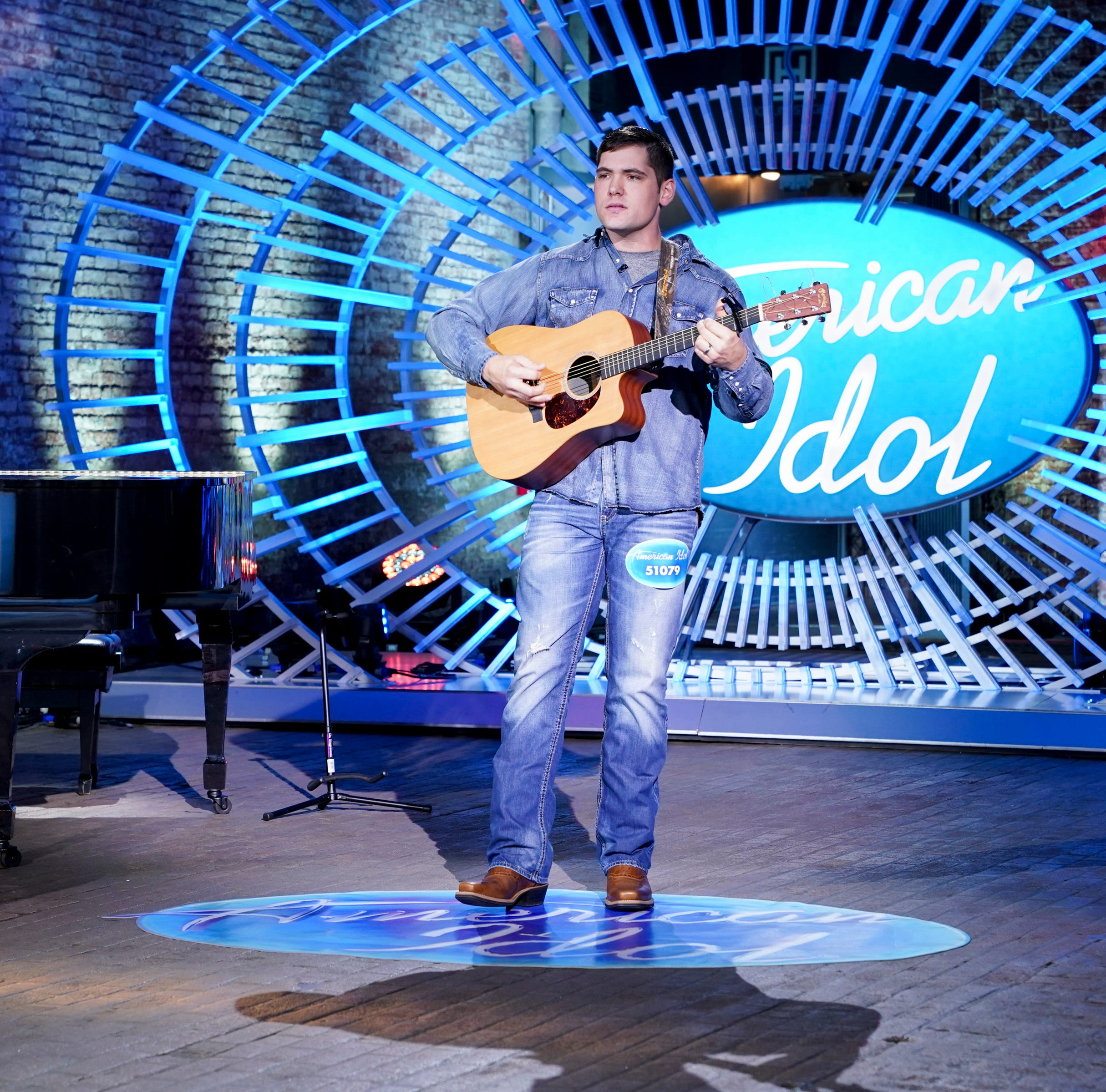 Local contestant earns 'golden ticket' on 'American Idol'