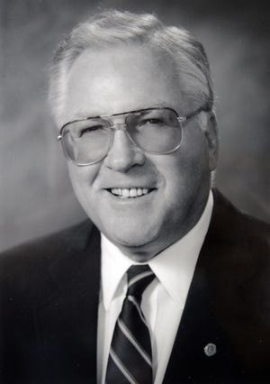 Jim Cowan, a former Ventura County superintendent of schools, died recently.