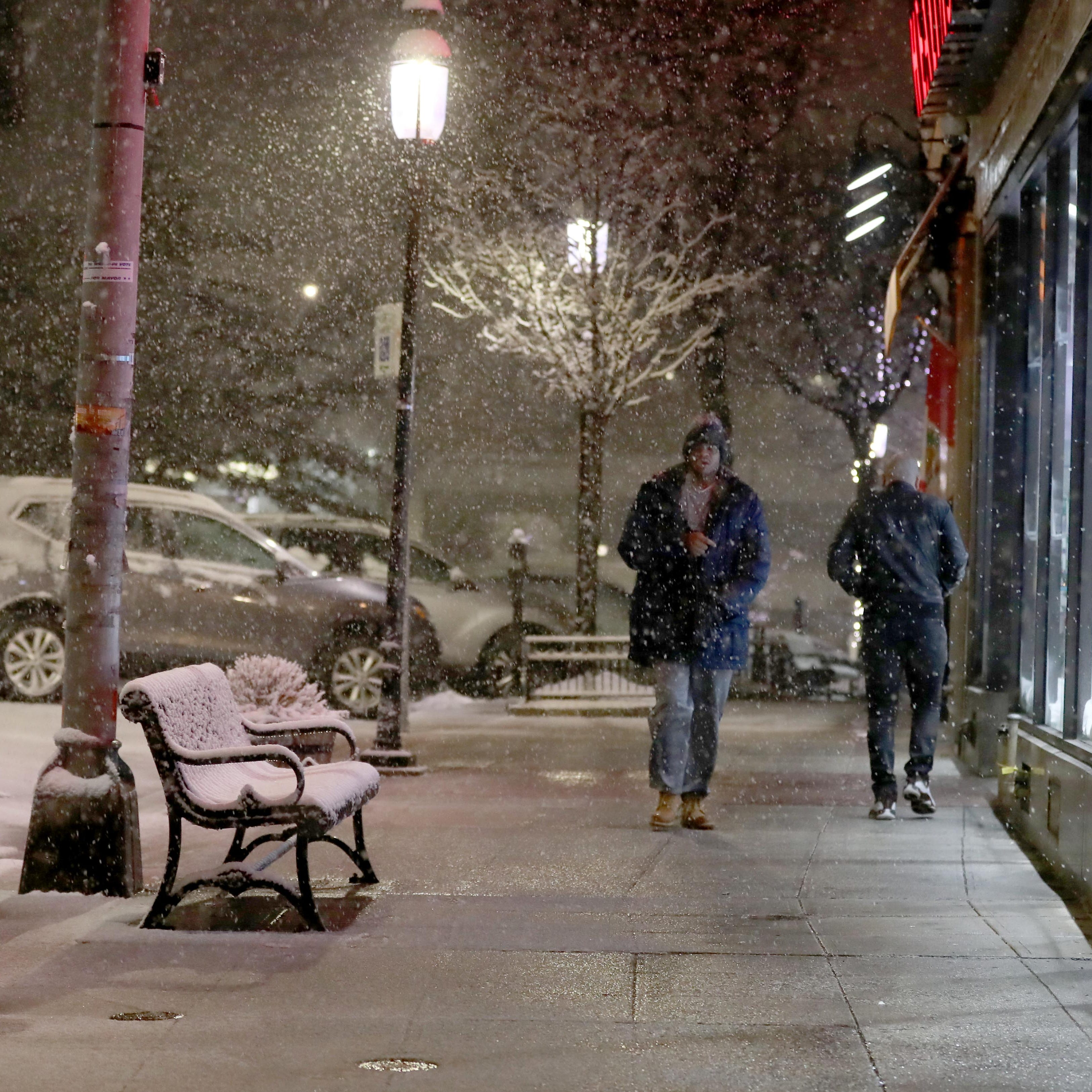 A heavy forecast: 4 to 8 inches to greet the a.m. commute