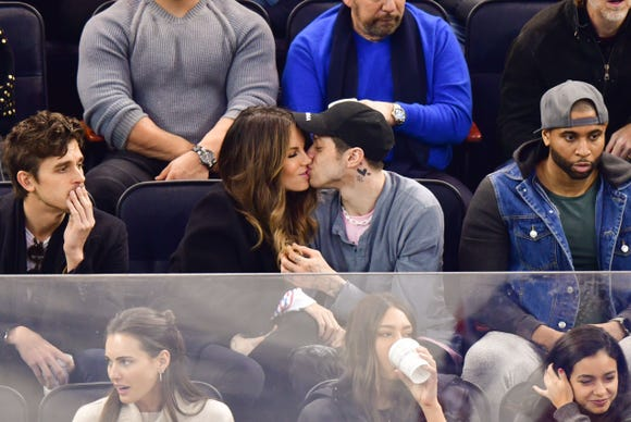 Kate Beckinsale and Pete Davidson were heating things up in the stands while the New York Rangers tied the Washington capitals down on the ice Sunday.
