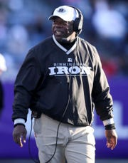 Coach Tim Lewis's Birmingham Iron lost for the first time this season in AAF Week 4.