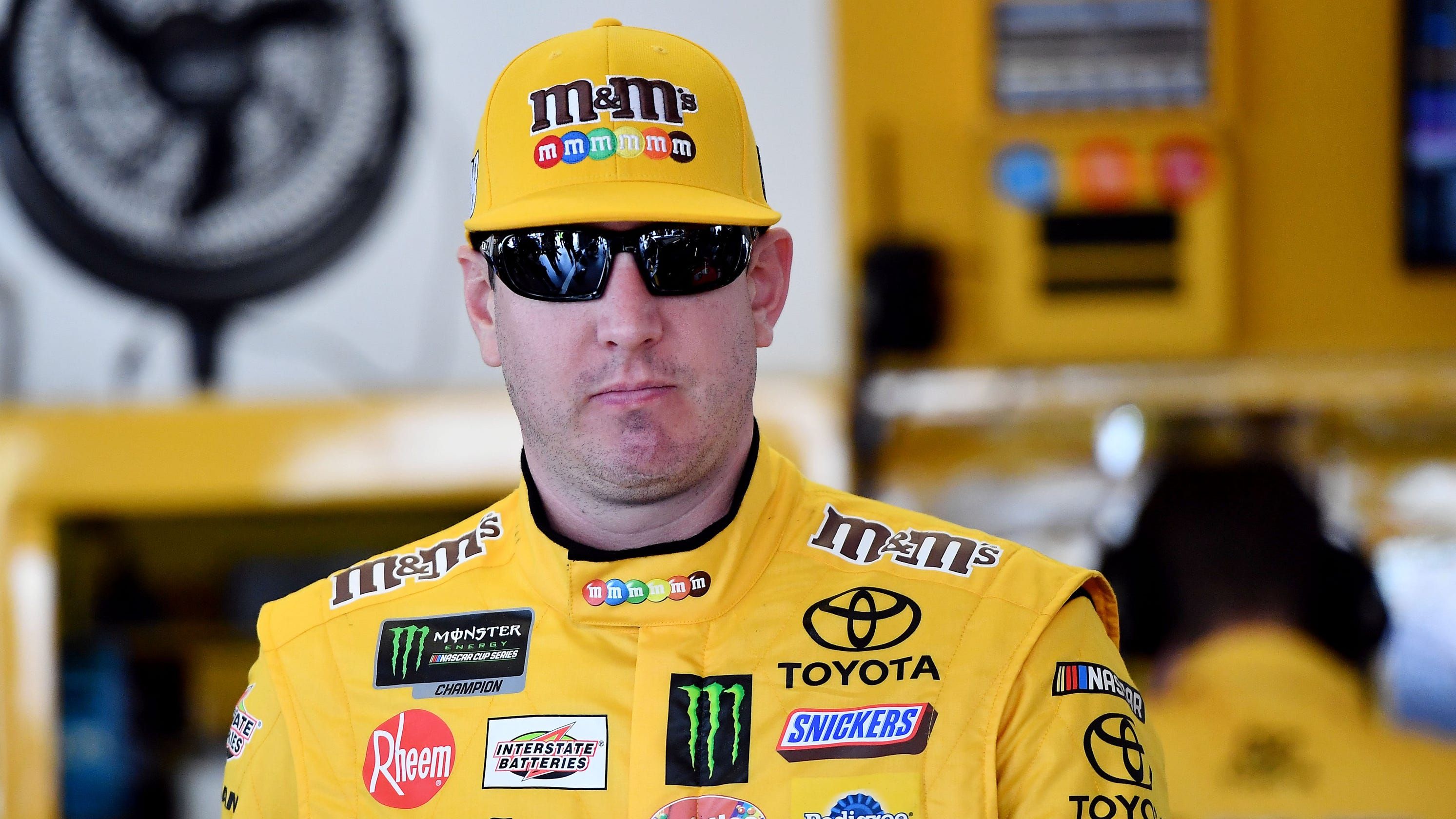 Kyle Busch's bid for NASCAR weekend sweep of Las Vegas comes