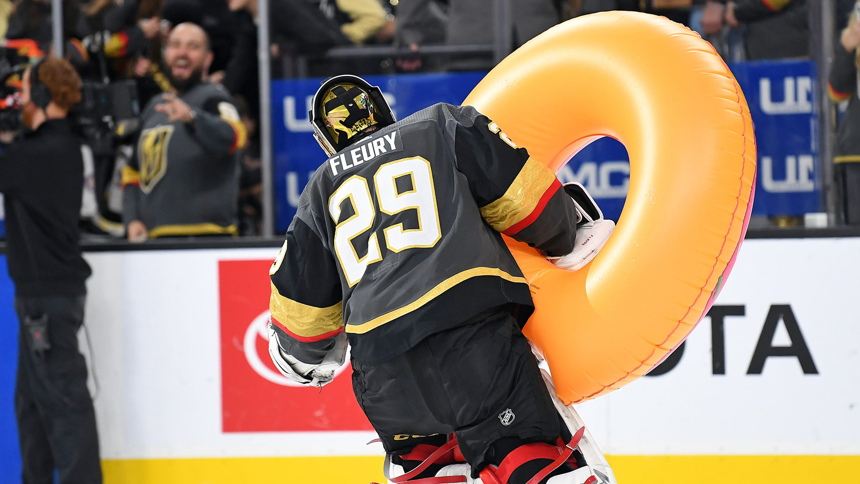 5470a403d Marc-Andre Fleury earns Golden Knights fans free doughnuts with shutout of  Canucks