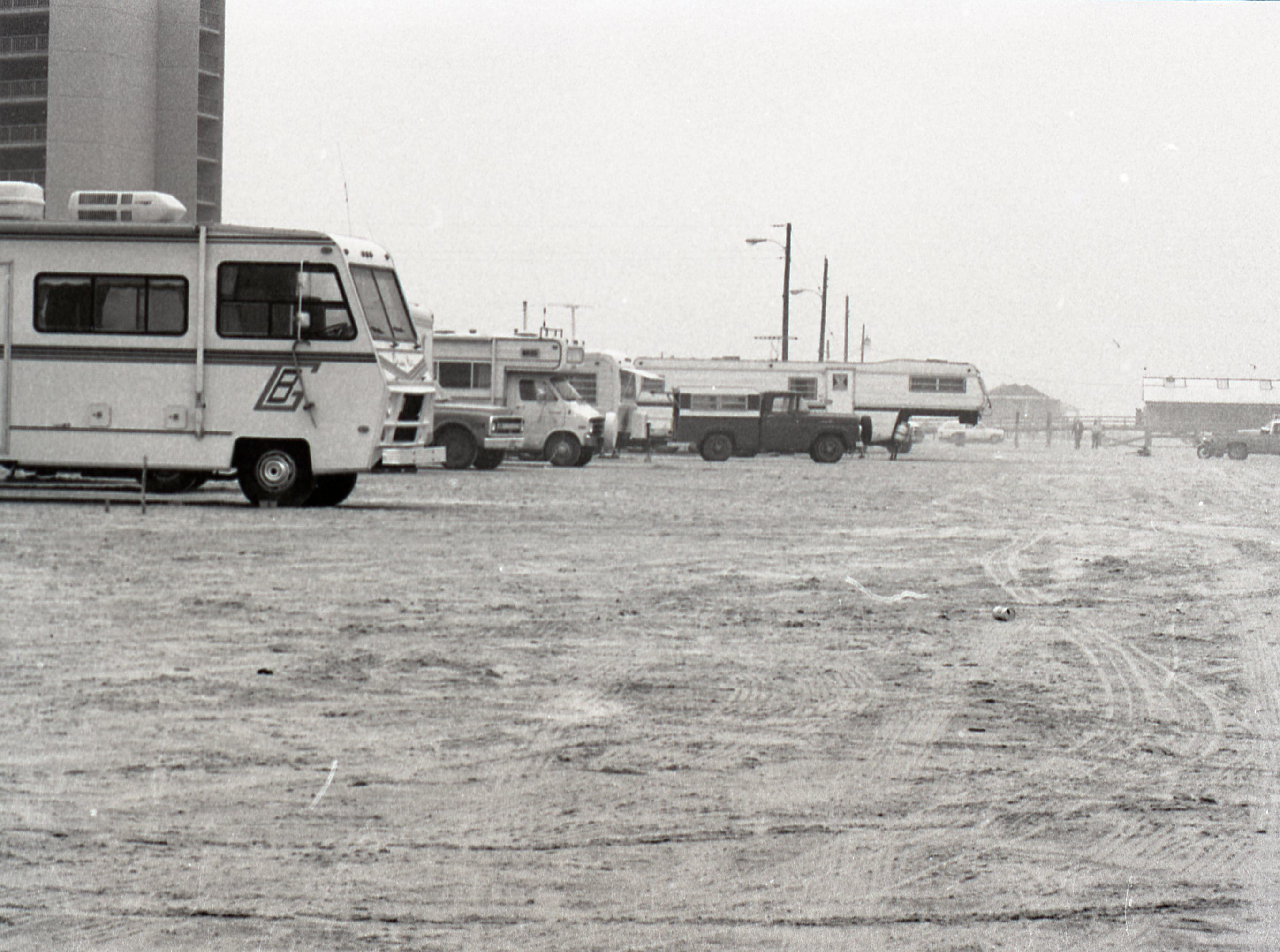Campers and RVs along Mustang Island during spring break on March 17, 1979.