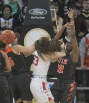 Ryle and Dixie battle for the loose ball, 2019 9th Region final.