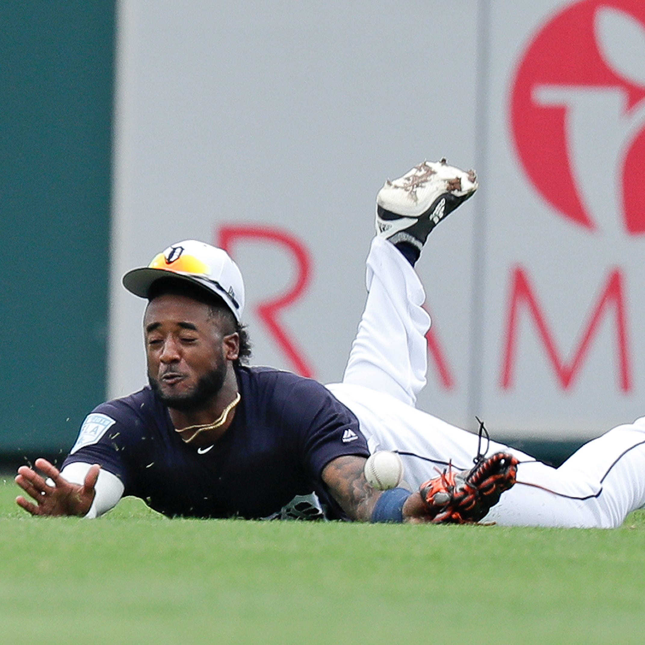 Tigers serious about adding center field to Niko Goodrum's resume