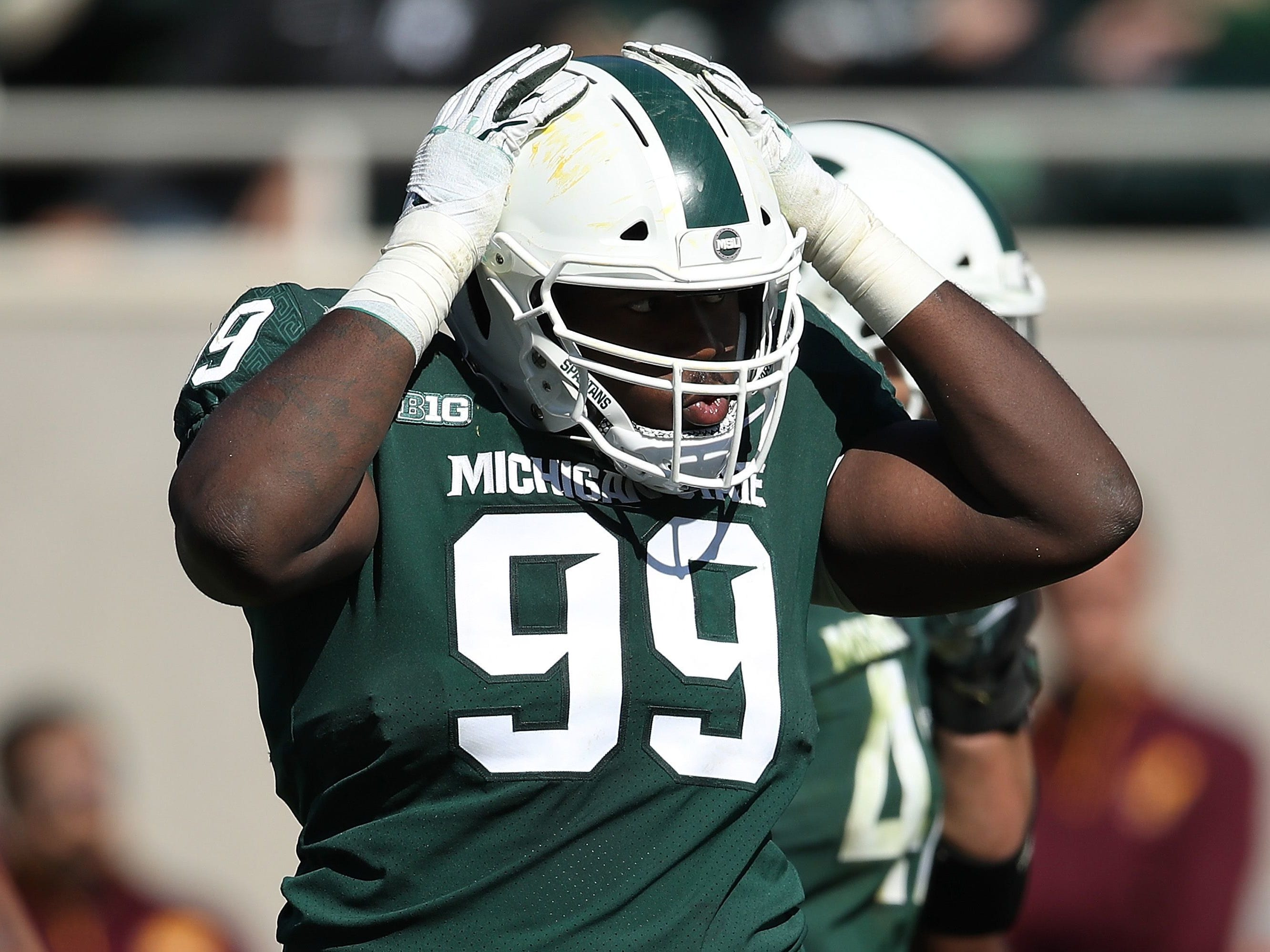 NOSE TACKLE: Raequan Williams – He turned down the NFL to return for his senior season after being named All-Big Ten first team by the Associated Press in 2018. Williams recorded a career-best 53 tackles, including a career-high 10.5 tackles for loss and two two sacks while breaking up five passes.
