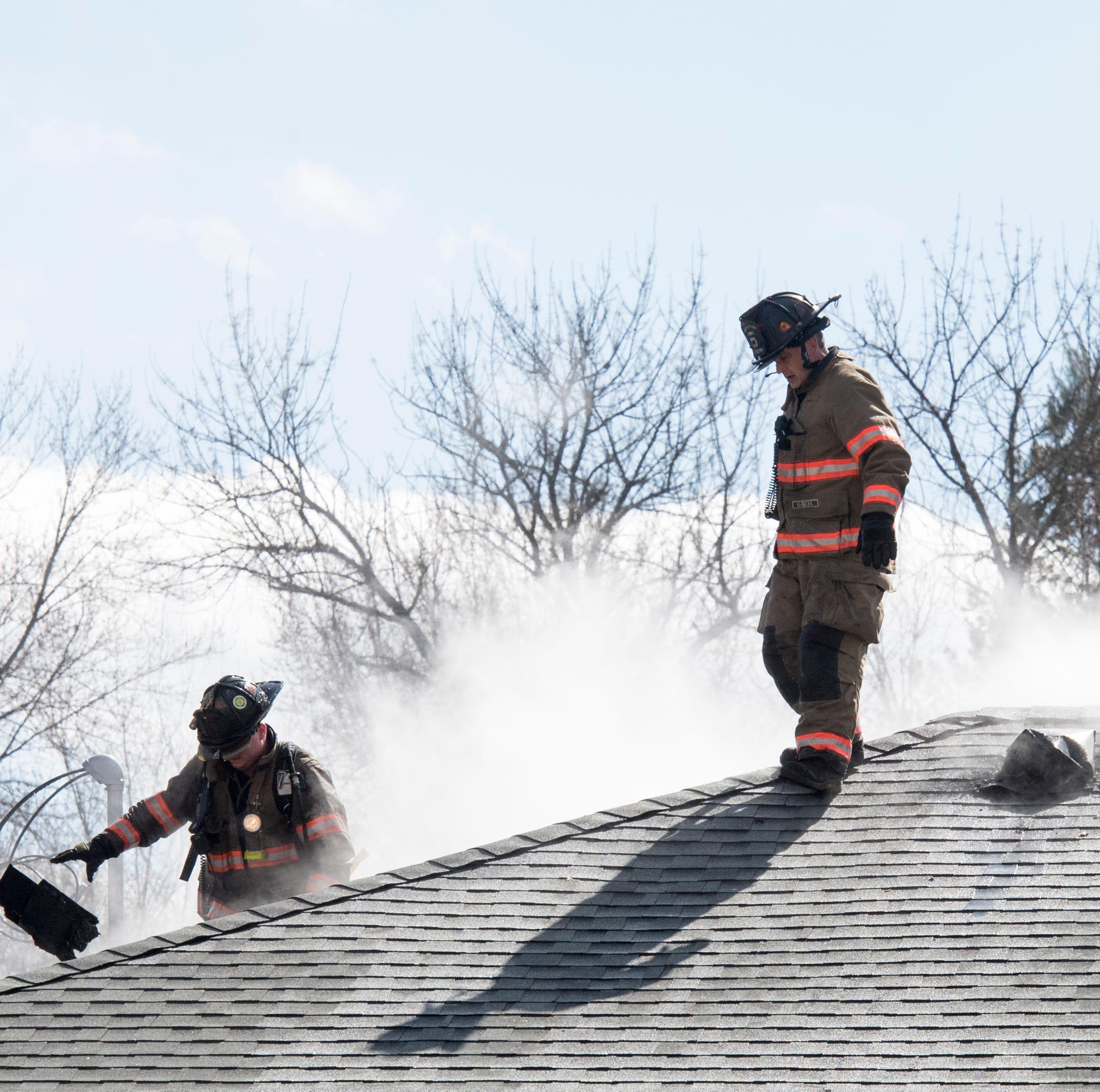 Evansville firefighters respond to West Side garage fire