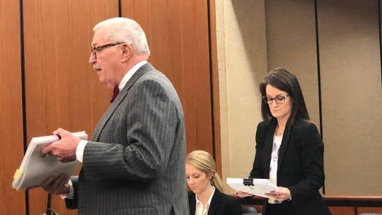 Media attorney Jay Bender (l) argues against SC GOP Caucus lawyer Jennifer Hollingsworth (right).