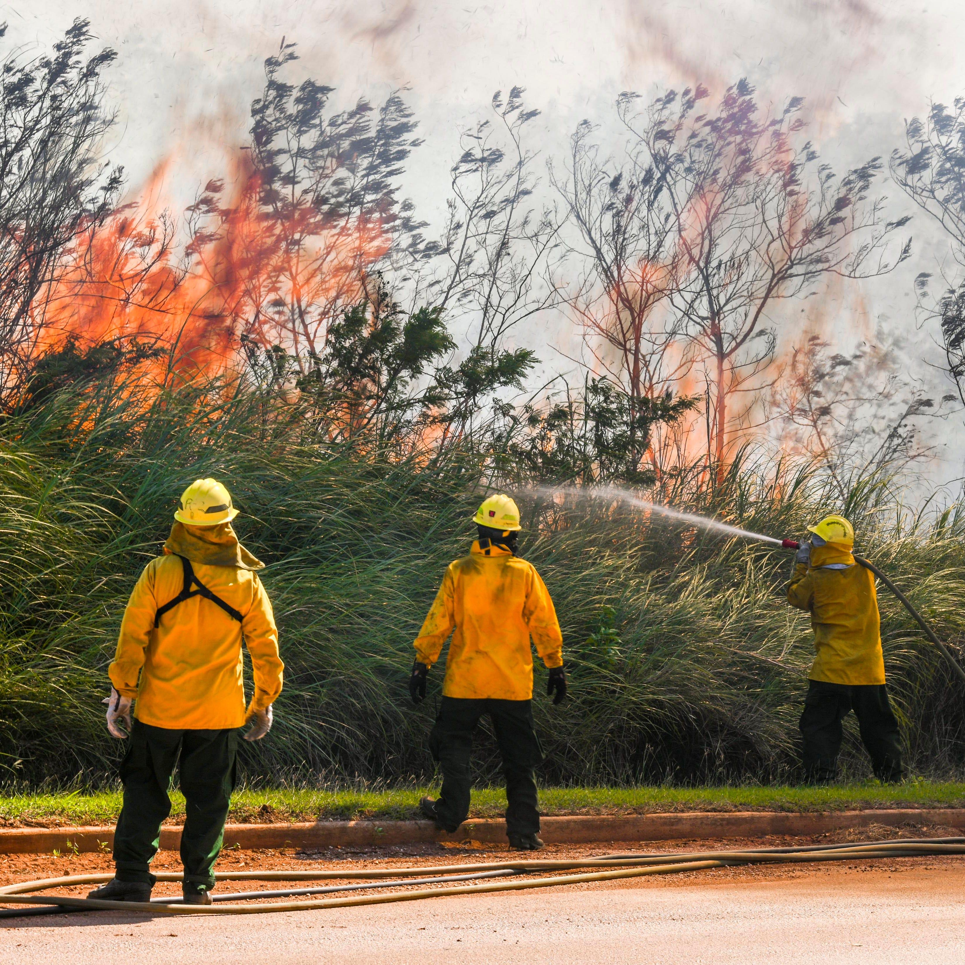 Firefighters battling grass fire in Santa Rita