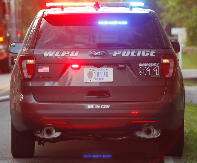 West Lafayette police report a gunman robbed the Circle K gas station early Tuesday.