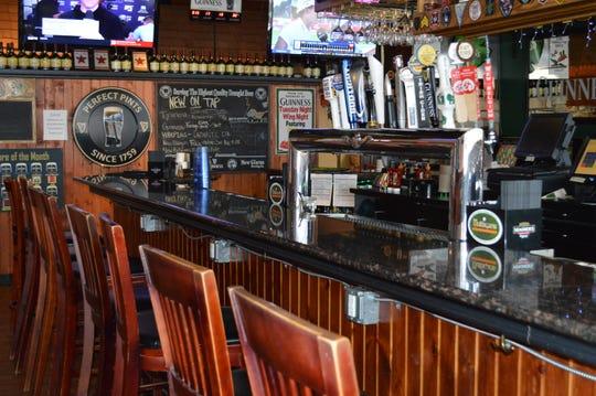 Mulligans Irish Pub and Grill has 21 TVs.