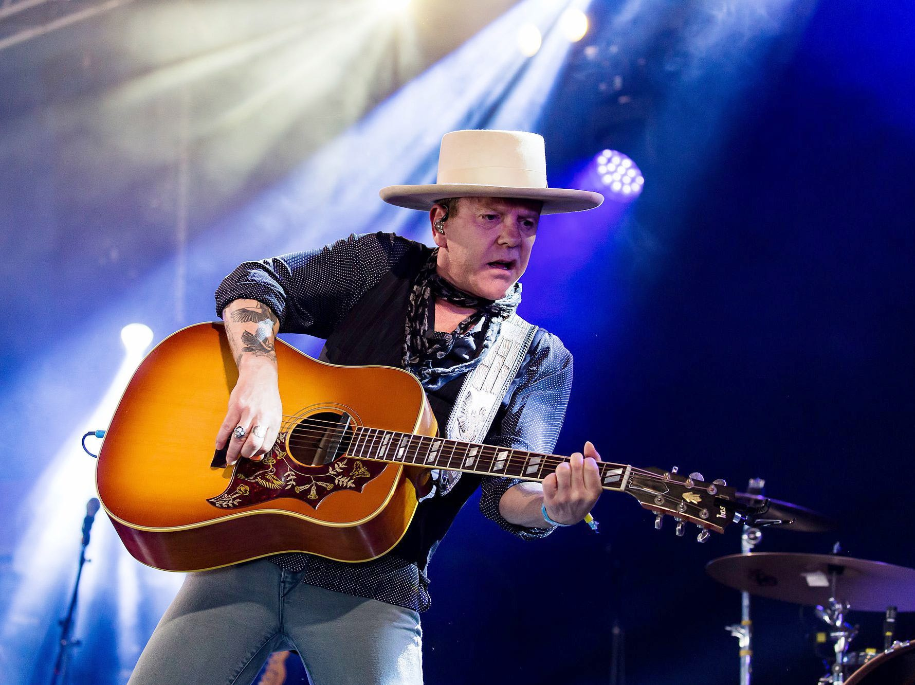 Kiefer Sutherland is scheduled to play the Budweiser Forever Country Stage at CMA Fest 2019.