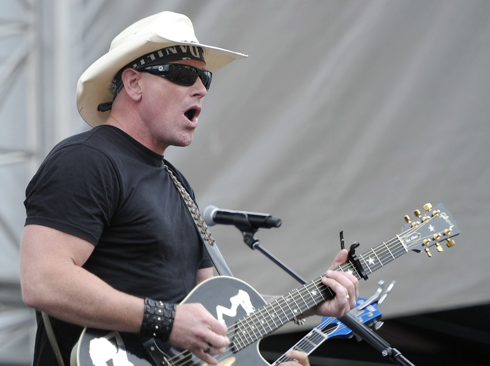 Keith Anderson is scheduled to play the Budweiser Forever Country Stage at CMA Fest 2019.