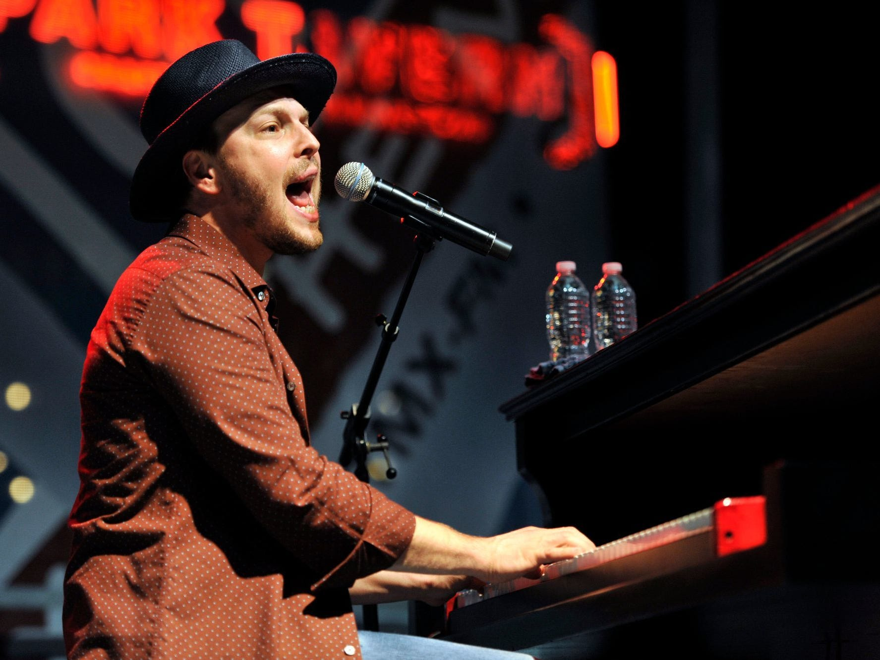 Gavin DeGraw is scheduled to play the Chevy Riverfront Stage at CMA Fest 2019.