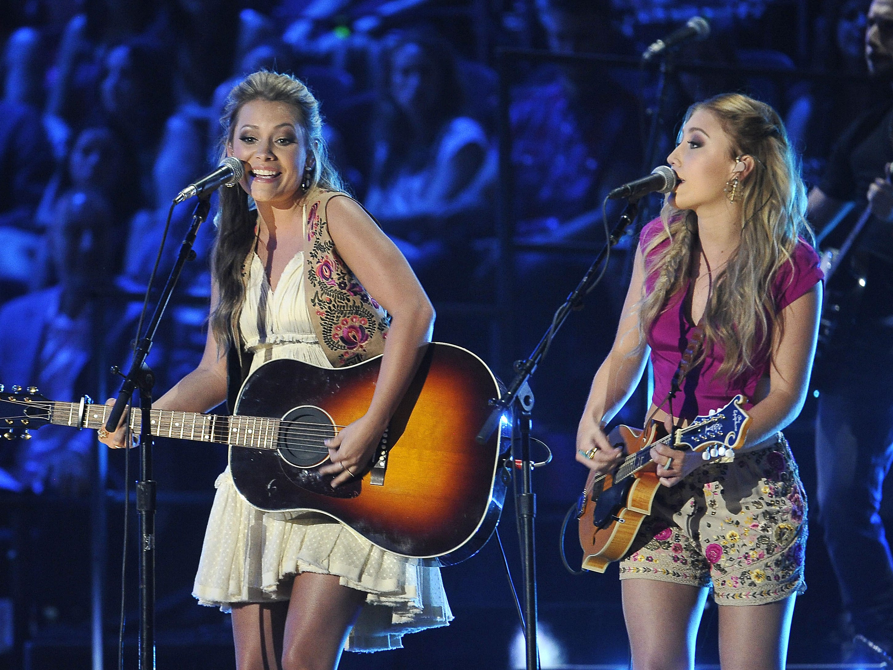 Maddie & Tae are scheduled to play the Chevy Riverfront Stage at CMA Fest 2019.