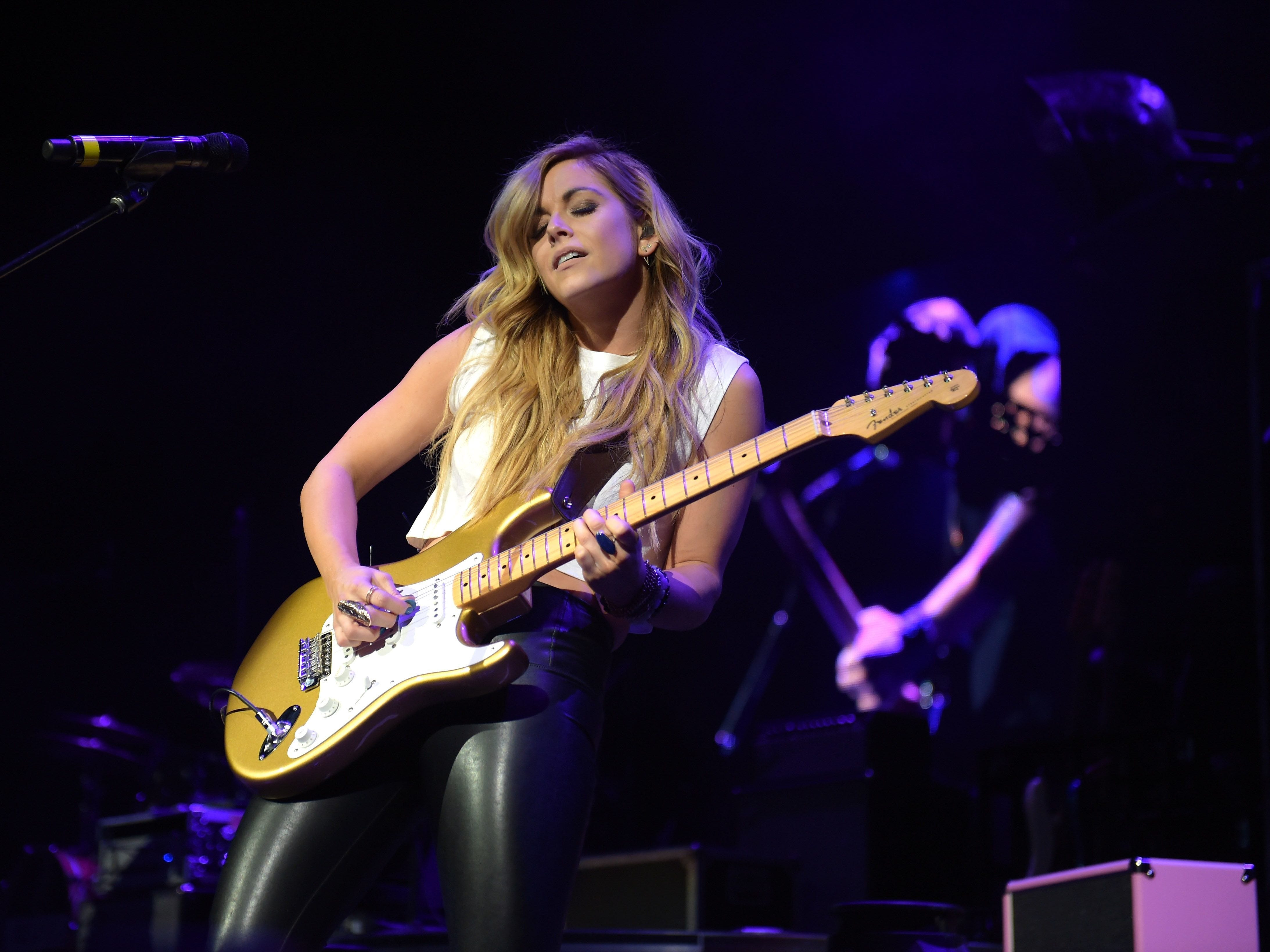 Lindsay Ell is scheduled to play the Chevy Riverfront Stage at CMA Fest 2019.