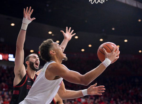 Chase Jeter (4) continues to battle injuries for the Arizona Wildcats.