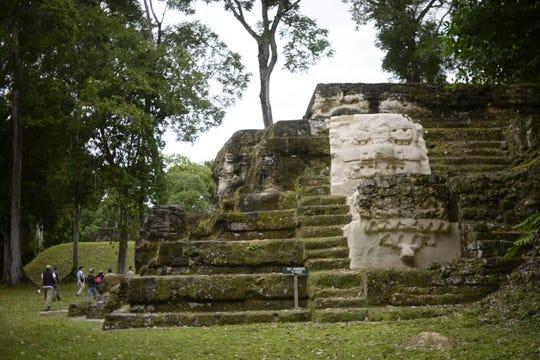 Entre los descubrimientos está un sistema de agricultura que habría sostenido una civilización de unas 7 millones de personas, dijeron arqueólogos.